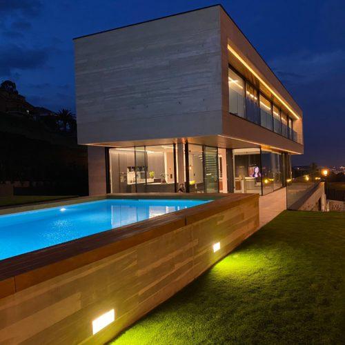 piscina-de-obra-oviedo-ilumiacion
